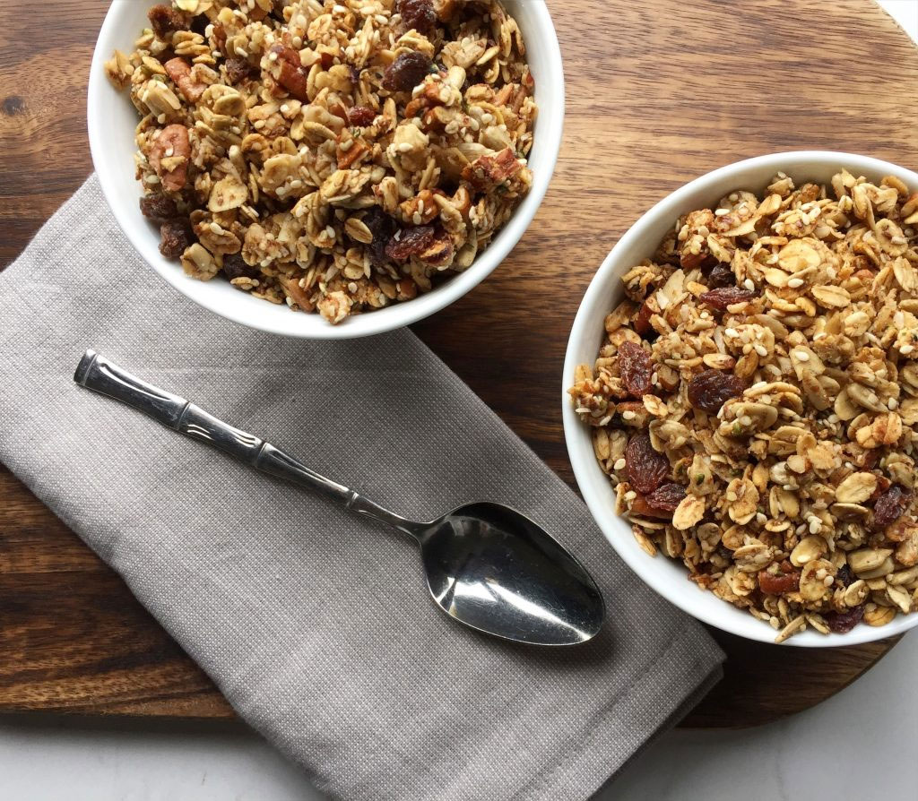 Cinnamon raisin granola michelle vodrazka granola has got to be one of my favourite foods but i hate that most commercial granolas are made with refined oils and tons of sugar are low in fiber solutioingenieria Choice Image